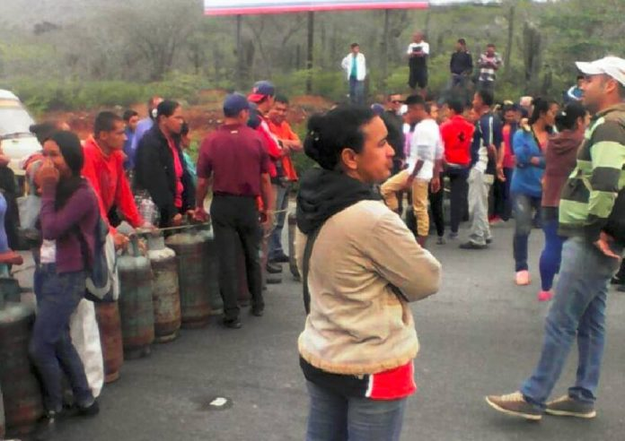 Protestaron en Mérida por escasez de gas doméstico