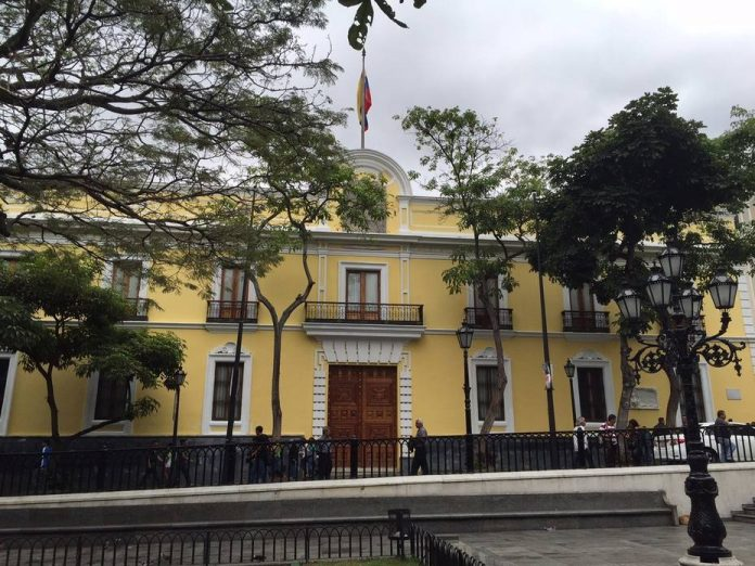 Cancillería de Maduro rechaza que Biden lo considere una amenaza