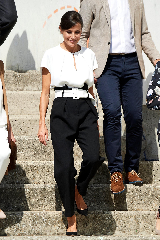 Paper Bag, el pantalón que la reina Letizia convirtió en ...