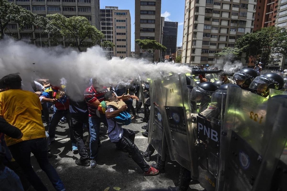 Represión en las protestas opositoras, Juan Guaidó