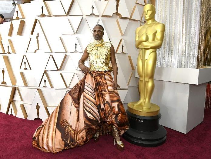 Billy Porter abrió la alfombra roja de los Óscar con un diseño ultrafemenino