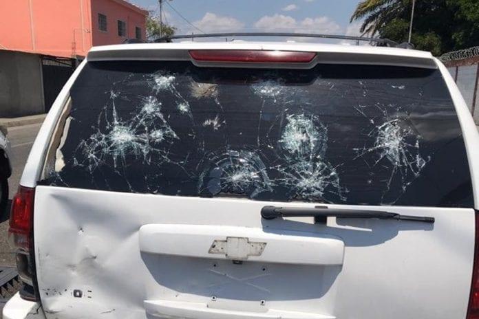 Camioneta de Guaidó en Barquisimeto, colectivos