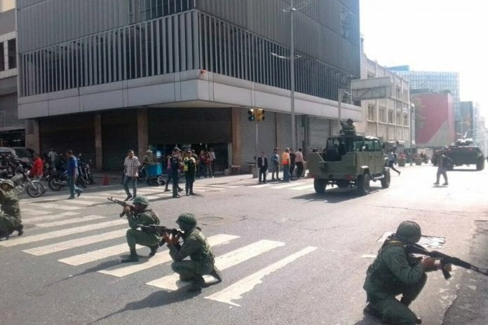 Ejercicios militares en Caracas