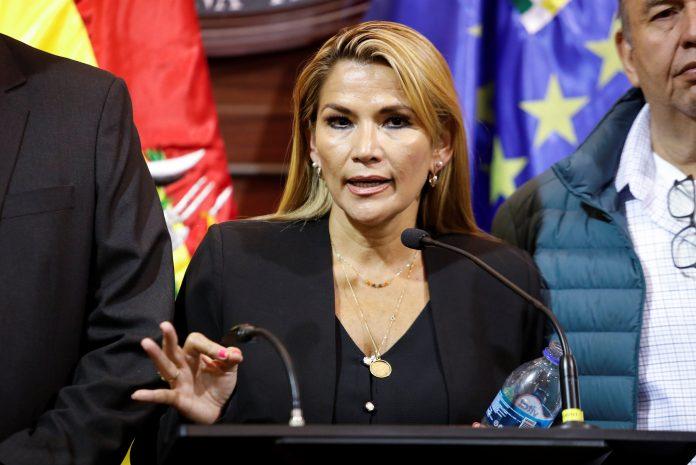 Áñez pidió uno o dos meses más para las elecciones pendientes en Bolivia LEY