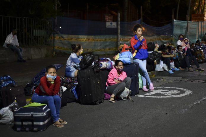 Venezolanos en hoteles