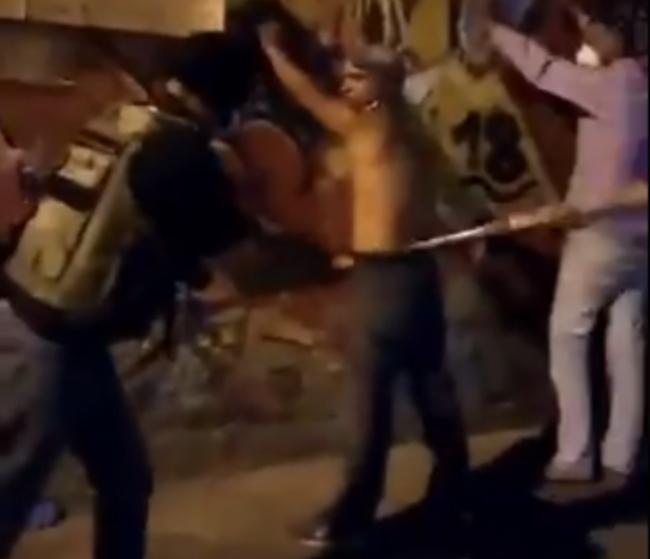 Presuntos colectivos arremetieron a batazos contra varios hombres