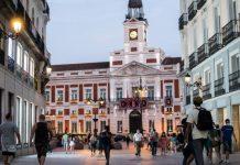 Madrid prohibió reuniones en casas y adelantó el toque de queda a las 10:00 pm con hostelería cerrada una hora antes