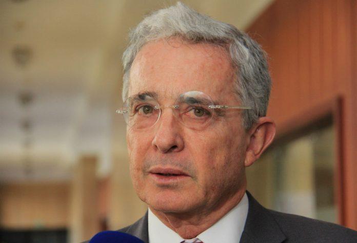 Álvaro Uribe dio positivo por covid-19
