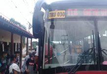 Mujer de la tercera edad denunció que no pudo usar el transporte público por no tener un salvoconducto