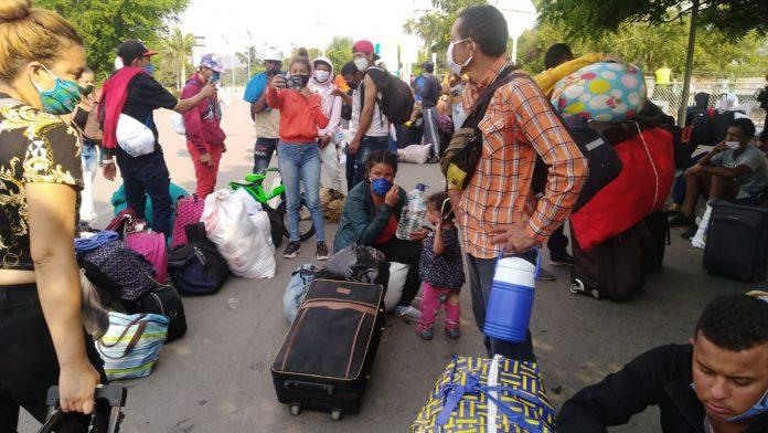 Venezolanos denunciaron que albergues en la fronteras no están en óptimas condiciones