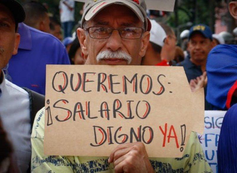 Aumentan salario mínimo en Venezuela un 288%... ahora son 2.4 dólares