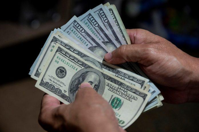 dólares- Régimen proyecta una cotización de 1.235.920 bolívares por dólar en enero