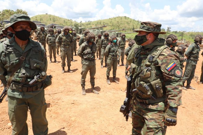 Control Ciudadano, militares
