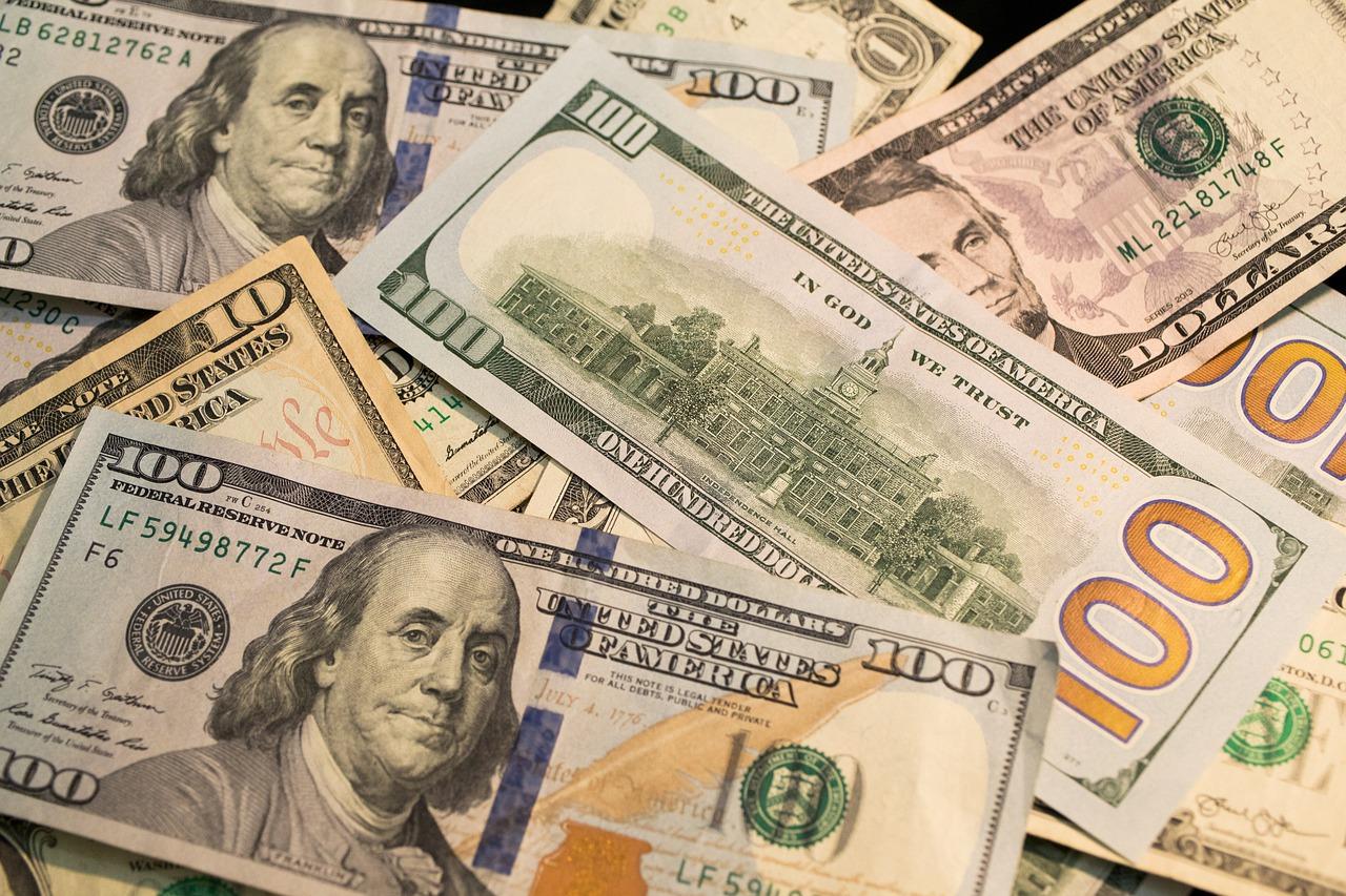 cajero en dólares