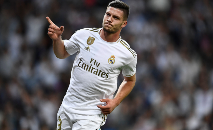 Real Madrid anunció que Luka Jovic dio positivo al covid-19