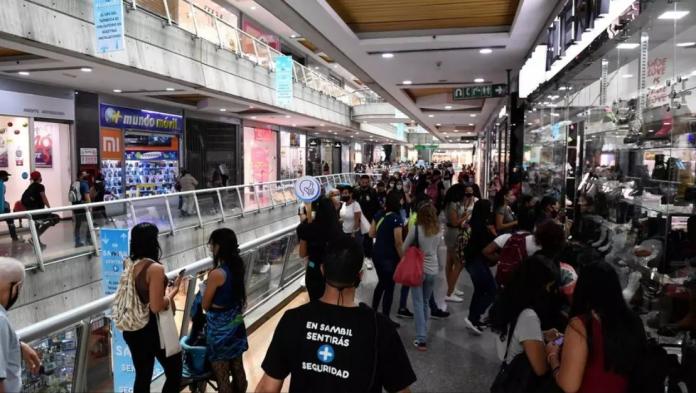 El Black Friday en Venezuela reta a la hiperinflación y al covid-19