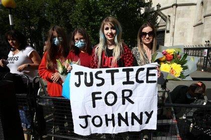 Fans Johnny Depp