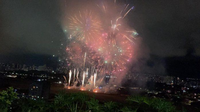 """▷ """"Los fuegos artificiales en La Carlota son la celebración porque el dólar  llego al millón"""""""