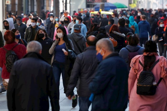 Chile registró casi cien muertos por covid-19, la cifra más alta en dos meses