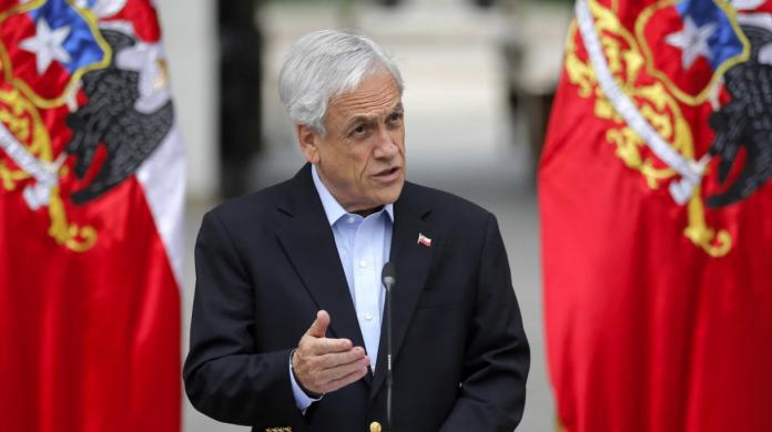 """Piñera condena ataque xenófobo e insiste en """"ordenar la casa"""" ante migración"""