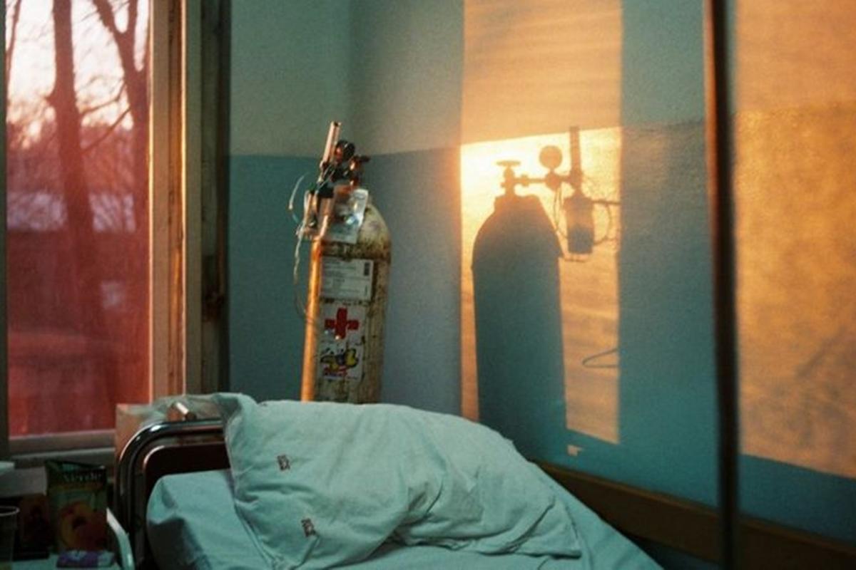 Acusan a paciente covid de matar a otro con tanque de oxígeno