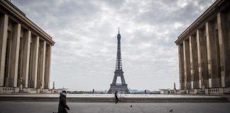Francia recomendó limitar a seis el número de adultos en reuniones navideñas