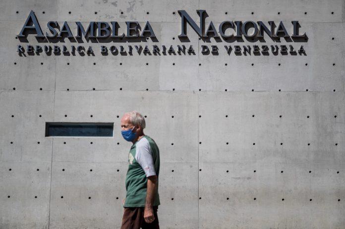 España y Turquía defienden la necesidad de una salida negociada a la crisis en Venezuela