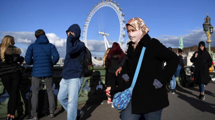 Reino Unido registró un nuevo récord de muertos por coronavirus tras constatar 1.820 decesos