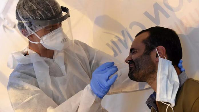 Francia pedirá una PCR negativa a todos los viajeros de la UE que quieran ingresar en el país