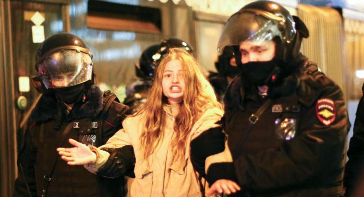 Más de 2 mil detenidos en Rusia durante marcha opositora