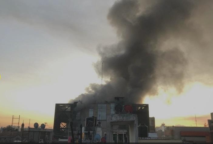 Supervisa Sheinbaum labores por incendio en edificio del Metro