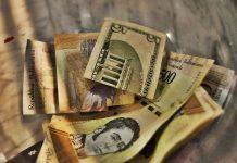 vulnerabilidad financiera Academia Nacional de Ciencias Económicas considera que nueva reconversión monetaria debería eliminar seis ceros al bolívar Hiperinflación y colapso: ¿es posible la digitalización de la economía en Venezuela?