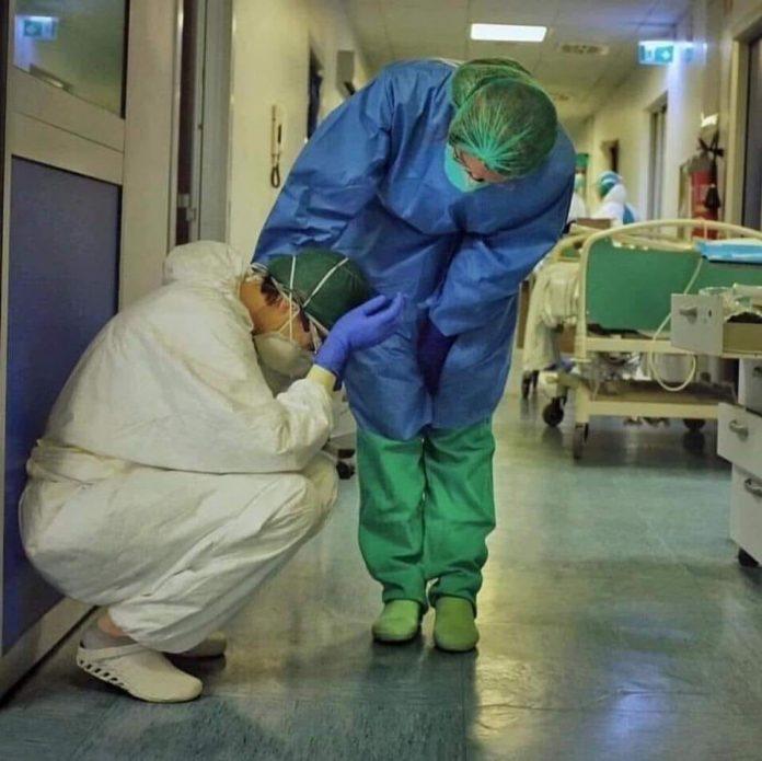 18 trabajadores de la salud fallecieron por covid-19 en la última semana