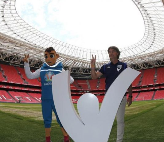 La UEFA reafirmó su compromiso con la Eurocopa en doce sedes