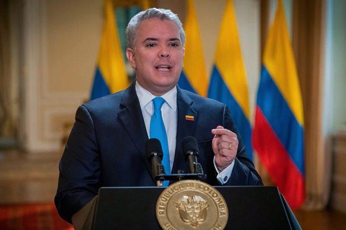 Duque pidió ayuda para adquirir vacunas para migrantes venezolanos