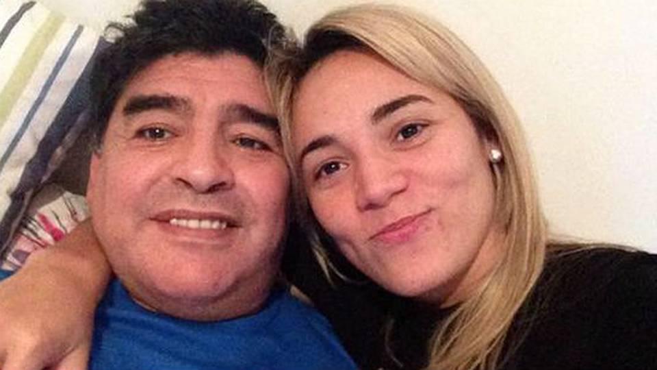 ¿Cuántos dólares le transfirió Diego Maradona a Rocío Oliva durante su relación?