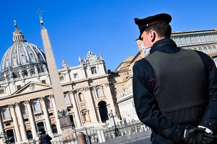 El Vaticano podría sancionar con despidos a los empleados que no se vacunen