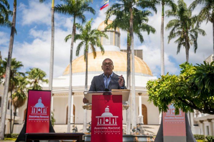 """Parlamento chavista rechazó las """"permanentes agresiones"""" de Iván Duque"""
