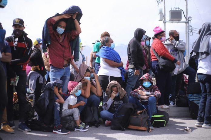 Chile expulsó a un grupo de migrantes venezolanos varados en la frontera con Bolivia