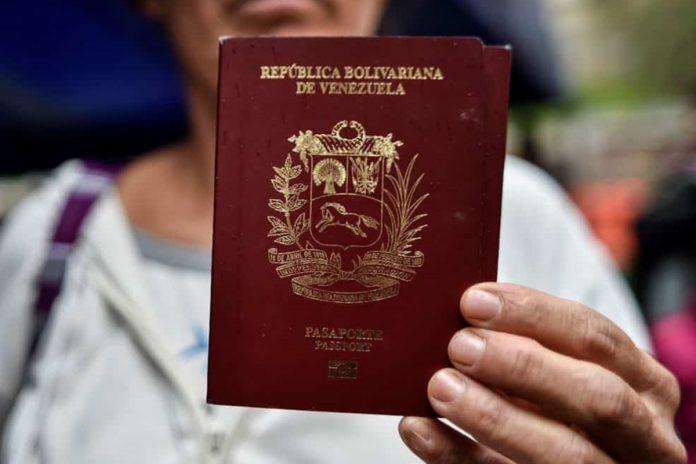Chile extendió por dos años vigencia de pasaportes venezolanos vencidos