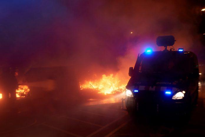 Tercera noche de protestas en España por Pablo Hasél dejó 16 detenidos y varios heridos