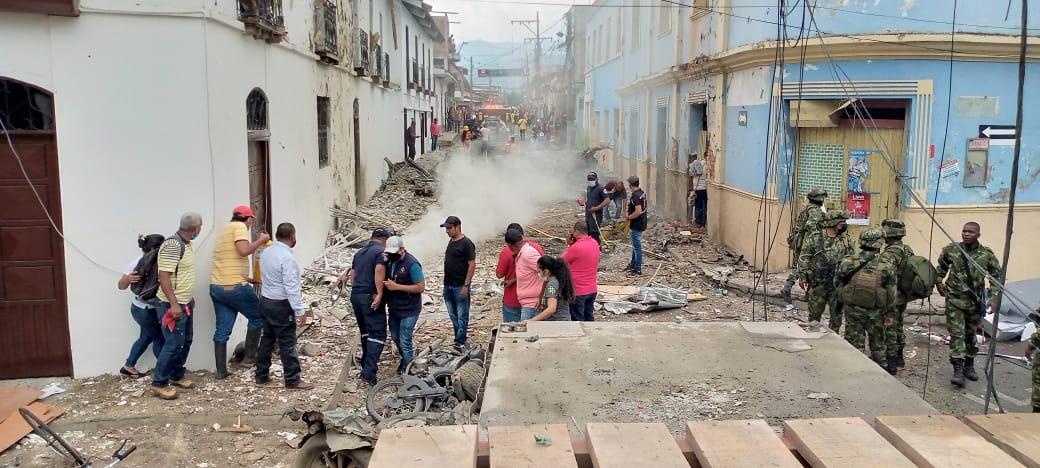 Carro bomba: ataque deja varios heridos en una alcaldía en Colombia