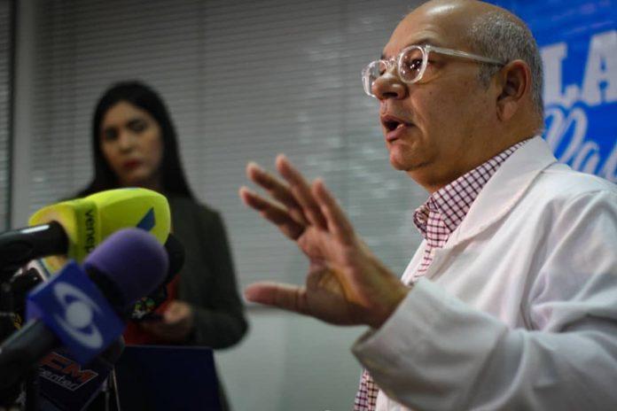 vacunación Julio Castro: El problema en el mecanismo Covax es político, no de dinero