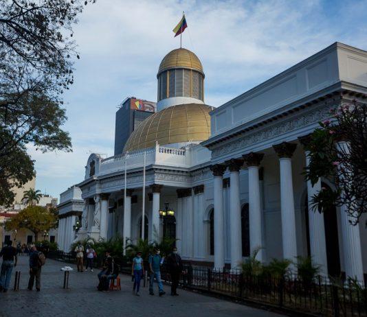 activos endeudamiento Aventuras y fracasos: las claves sobre el diálogo abierto en Venezuela