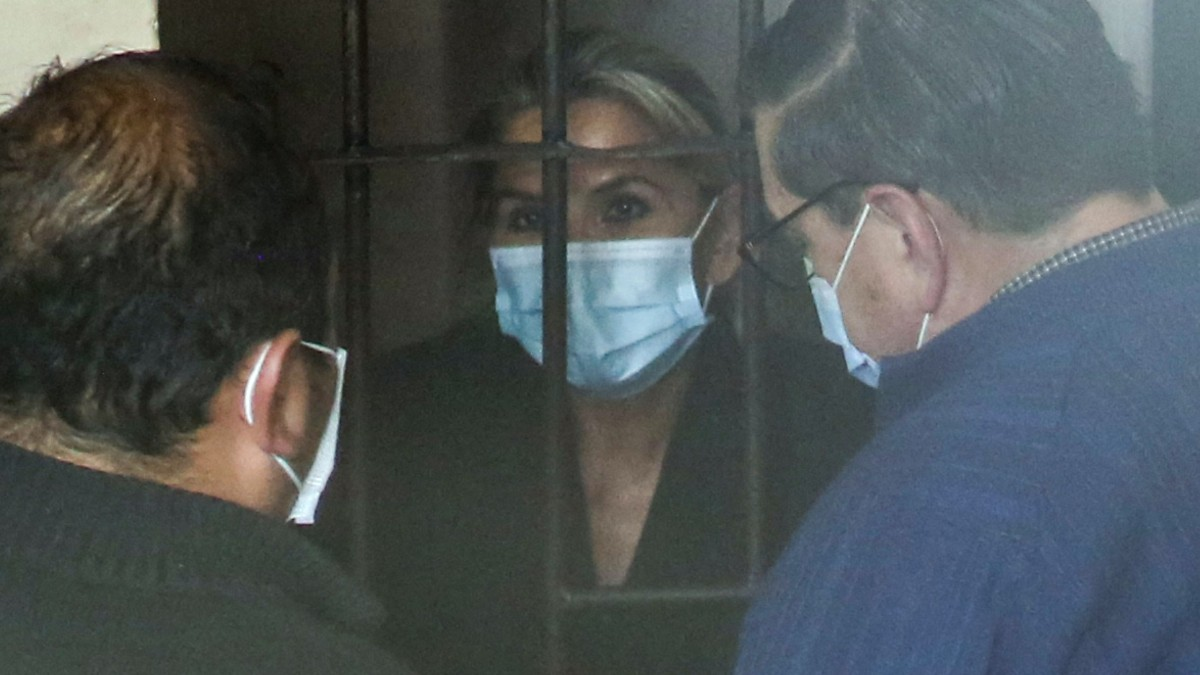 """Jeanine Áñez se descompensa en prisión: """"Ha tenido fiebre"""""""