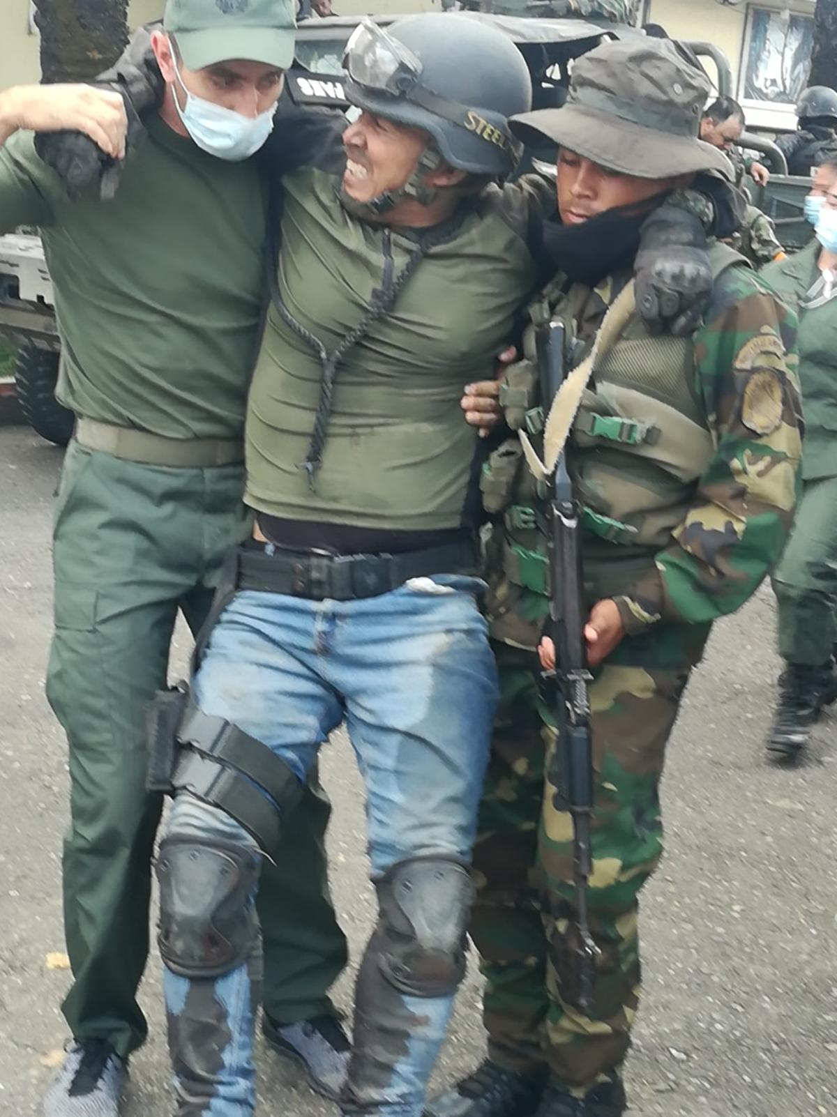 Militares heridos en últimos choques con disidentes de las FARC en Apure