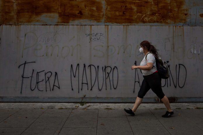 Ejecuciones extrajudiciales, persecución y el salario por debajo de 1 dólar: la actualización del informe de Bachelet sobre Venezuela