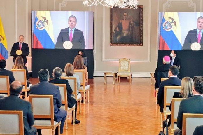 Iván Duque firmó decreto de creación del Estatus de Protección para venezolanos