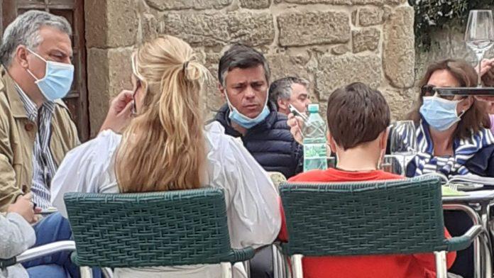 Leopoldo López multado por romper el confinamiento y viajar a Galicia