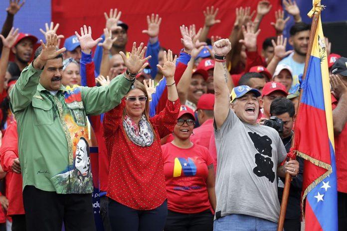 Maduro pagó con lingotes de oroa una empresa italiana en la que Maradona era lobbista
